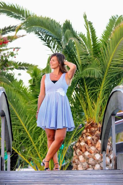 robe sandro à rayures, look de vacances, les petites bulles de ma vie