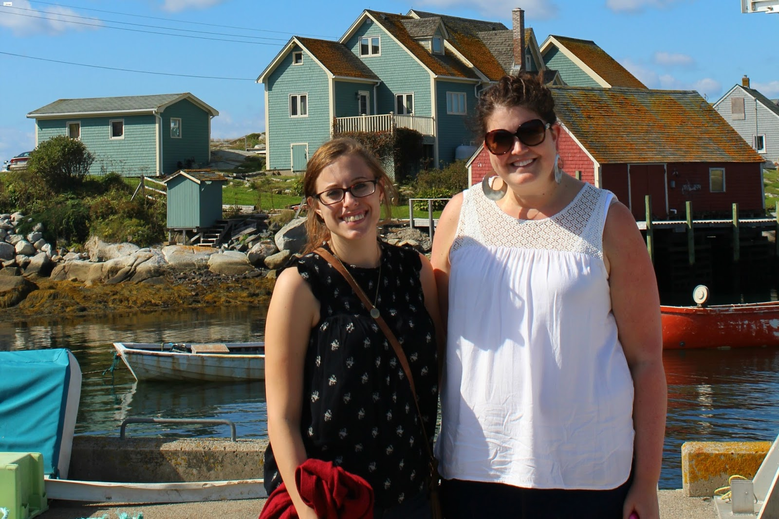 Caravan Sonnet Peggy S Cove Lighthouse Nova Scotia Canada