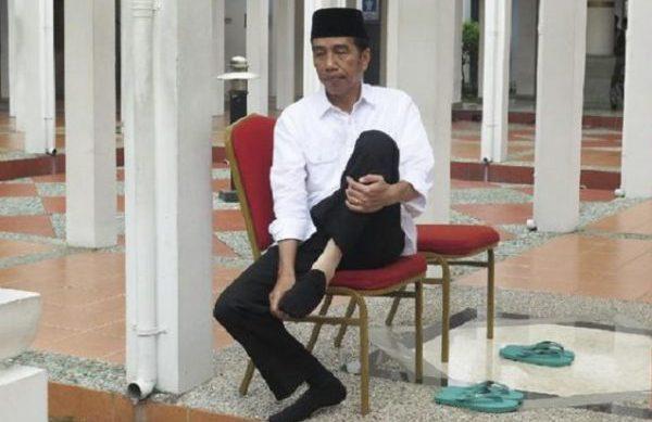 Yusril: Penampilan Jokowi Merakyat Hanya Pencitraan Penuh Kepalsuan