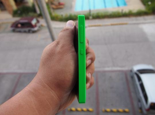 Nokia X Unboxing, Preview And Initial Impression Right