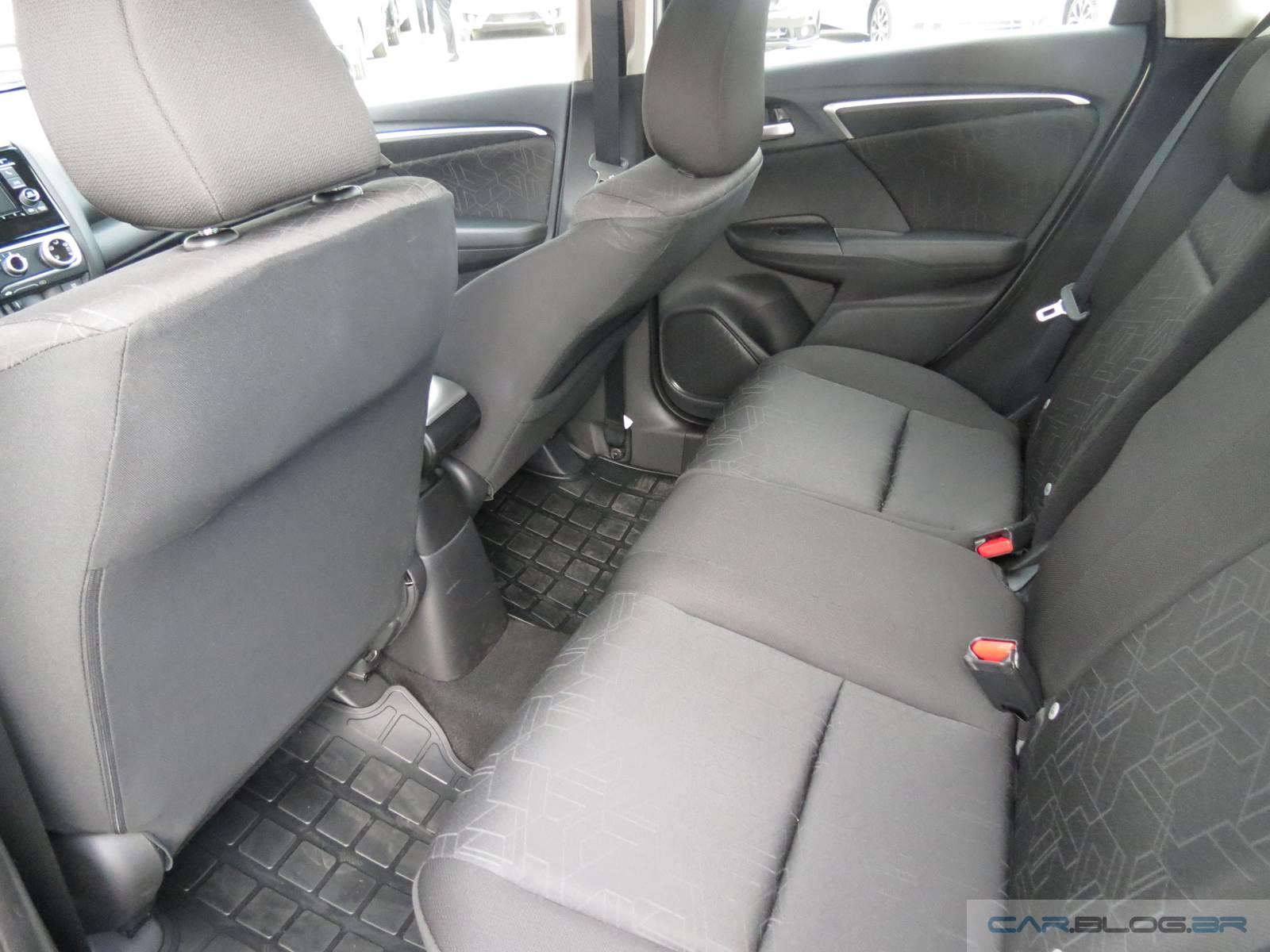 Honda FIT EX 2016 - espaço traseiro