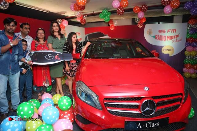 Raashi Khanna at Mirchi 95 Suno Mercedes Jeeto Contest Stills  0043