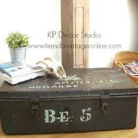 Cajas y baúles antiguos estilo industrial, metalicos, oxidados, muebles estilo industrial en valencia para decoración