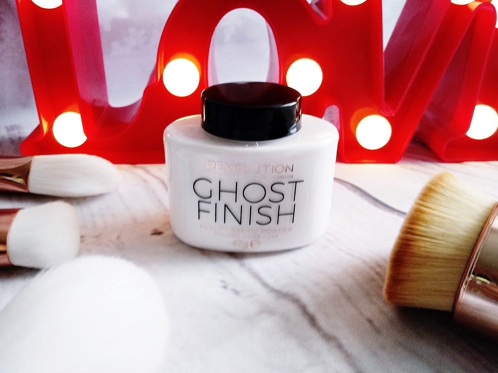 GHOST FINISH Makeup Revolution