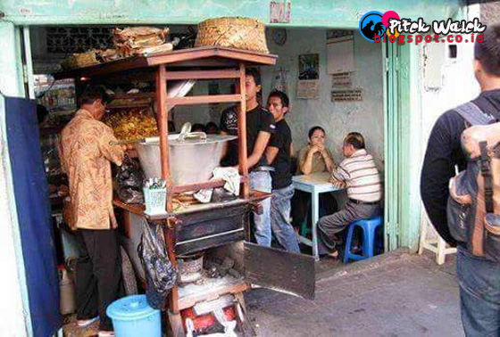 Warung Soto di Solo Yang Gratiskan Pembeli Tiap Jumat Hebohkan Facebook