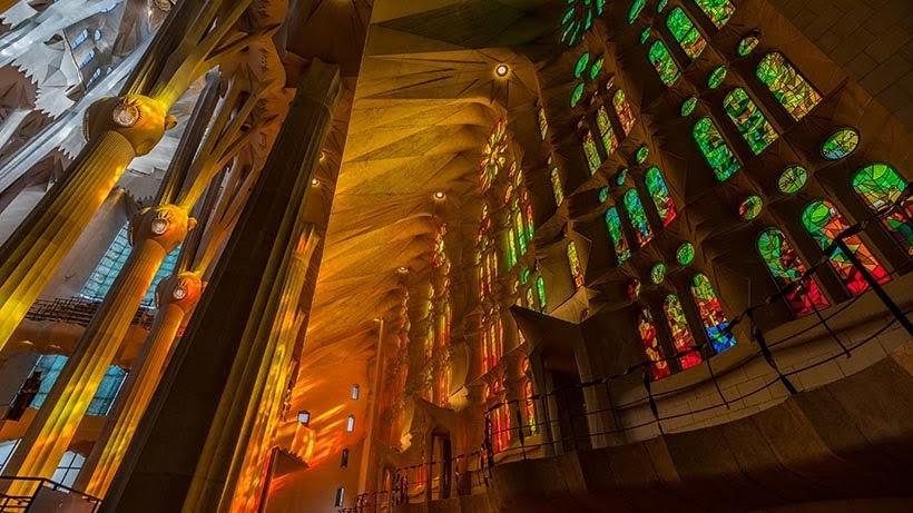Sagrada Família, em Barcelona - Foto: Andrey Grinkevich on Unsplash