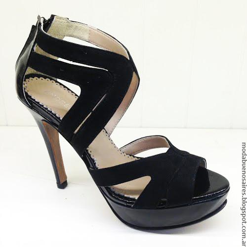 Zapatos y sandalias primavera verano 2017 Andrea Bo.
