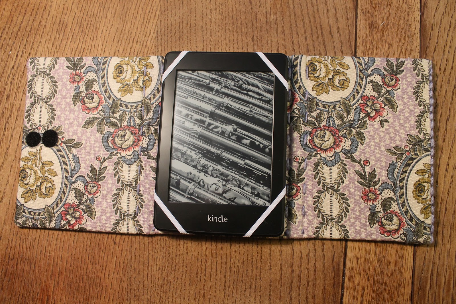 DIY Tutorial Kindle Case and Stand