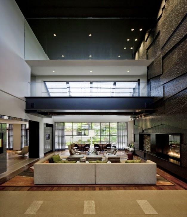 Ultra Modern Home Decor: Desain Ruang Tamu Mewah Dengan Atap Tinggi