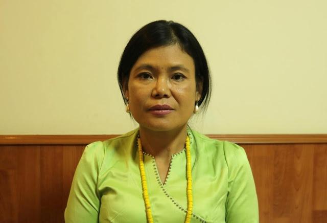 အိခ်ယ္ရီေအာင္ (Myanmar Now) ● အမ်ဳိးသမီးအေရးလုပ္ တယ္ဆိုရင္ သိပ္ၿပီးလက္မခံခ်င္ၾကဘူး