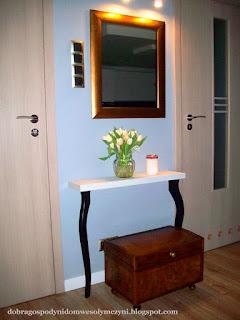 tania, efektowna i prosta konsola/toaletka
