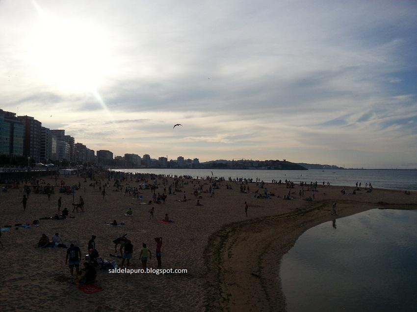 ocaso-playa-san-lorenzo