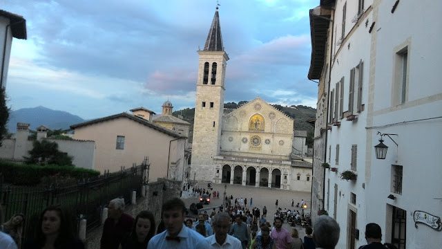 🚘Duomo di Spoleto, simbolo romanico della città di Spoleto