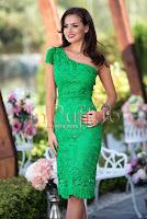 Rochie verde midi din dantela brodata • Miss Grey
