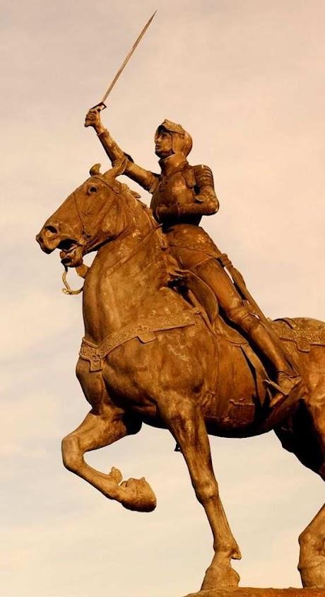 Santa Joana d'Arc, estátua na Califórnia