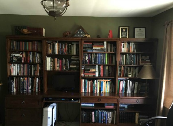 bookcases before our budget friendly how to remodel the home office from walking on sunshine budget friendly home offices