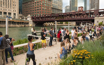 Chicago Riverwalk Offers Dining, Arts, Music and More