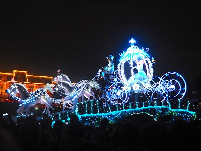 Cinderella float, Dreamlights parade, Tokyo Disneyland, Japan