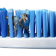 HOW TO SELECT A GOOD TOOTH BRUSH