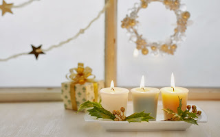 Christmas_white_candles_images_2560x1600