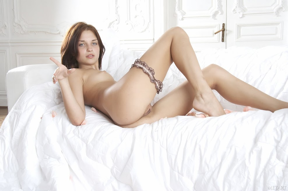 1526721106_divinia_metart-kopiya [Met-Art] Diana D - Full Photoset Pack 2007-2008