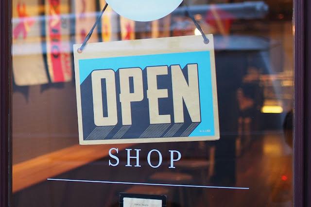 Nazwy sklepów po francusku