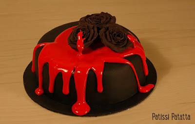 gâeau vampire, cake design, spécial vampire, pâte à sucre, gumpaste, rose noire, halloween cake, vampire cake,patissi-patatta