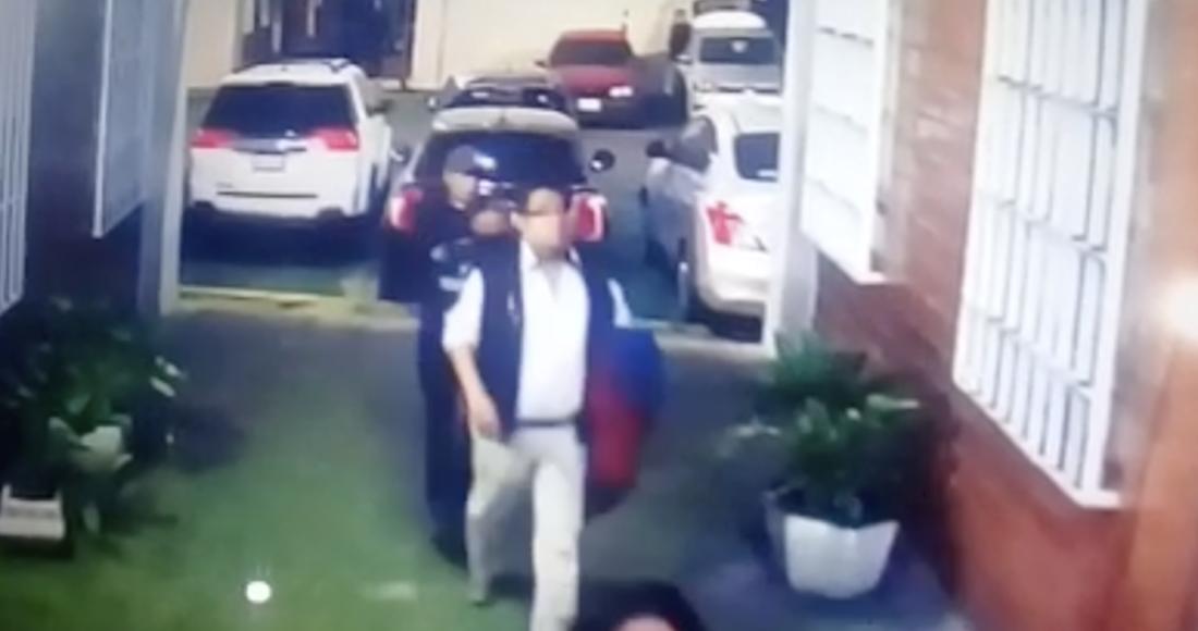 VIDEO: Captan el momento en el que un sicario ejecuta de dos balazos a funcionario de la CdMx