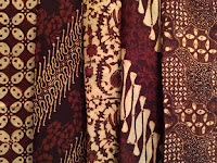 12 Cara Merawat Baju dan Kain Batik