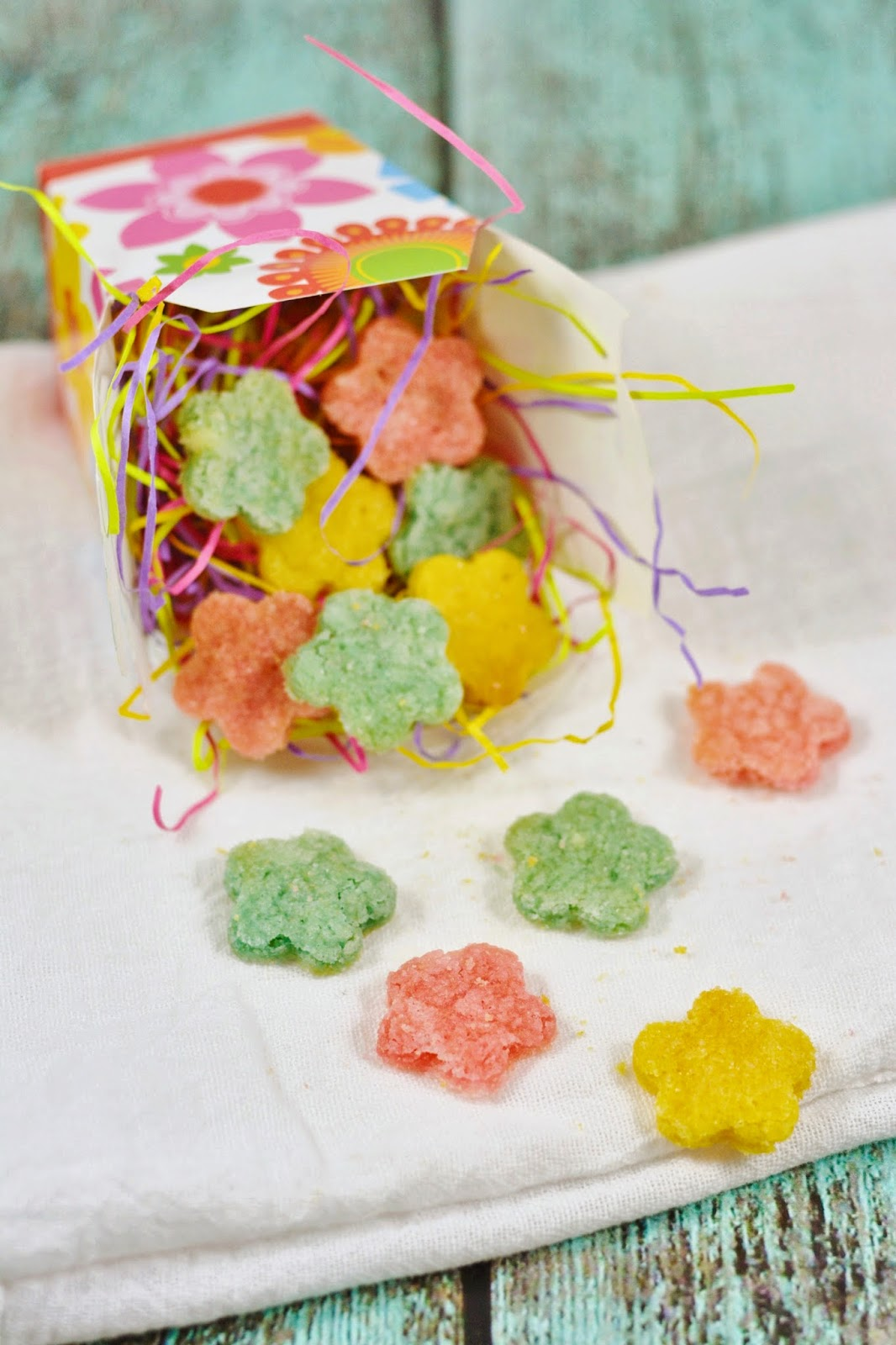 Mini #Spring Sugar #Cookies. Perfect #recipe to brighten your day!