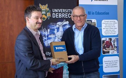 Nagy értékű szoftvert adományozott az NI Hungary Kft. a Debreceni Egyetemnek