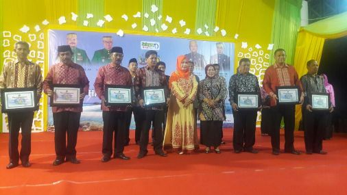 Ini Penerima Penghargaan FKS, Tingkat Kecamatan Kelurahan Dan Desa Di Selayar
