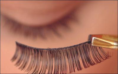 pareri medicale machiajul si genele false cu adeziv imbolnavesc ochii