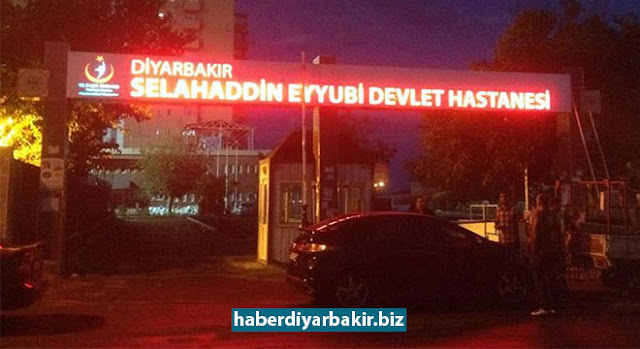 DİYARBAKIR-Diyarbakır'da akşam yemeği yedikten sonra rahatsızlanan 39 asker zehirlenme şüphesiyle hastaneye kaldırıldı.