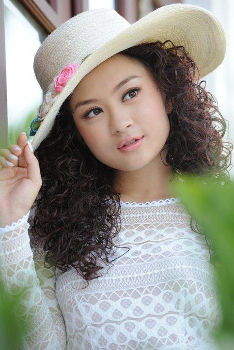 Wutt Hmone Yi Shwe Boyfriend