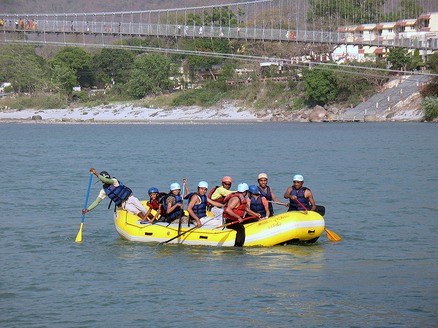 rishikesh-uttra-khand-india-april-rishikesh-rafting