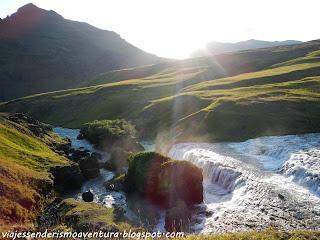 Alrededores de la cascada de Skógafoss