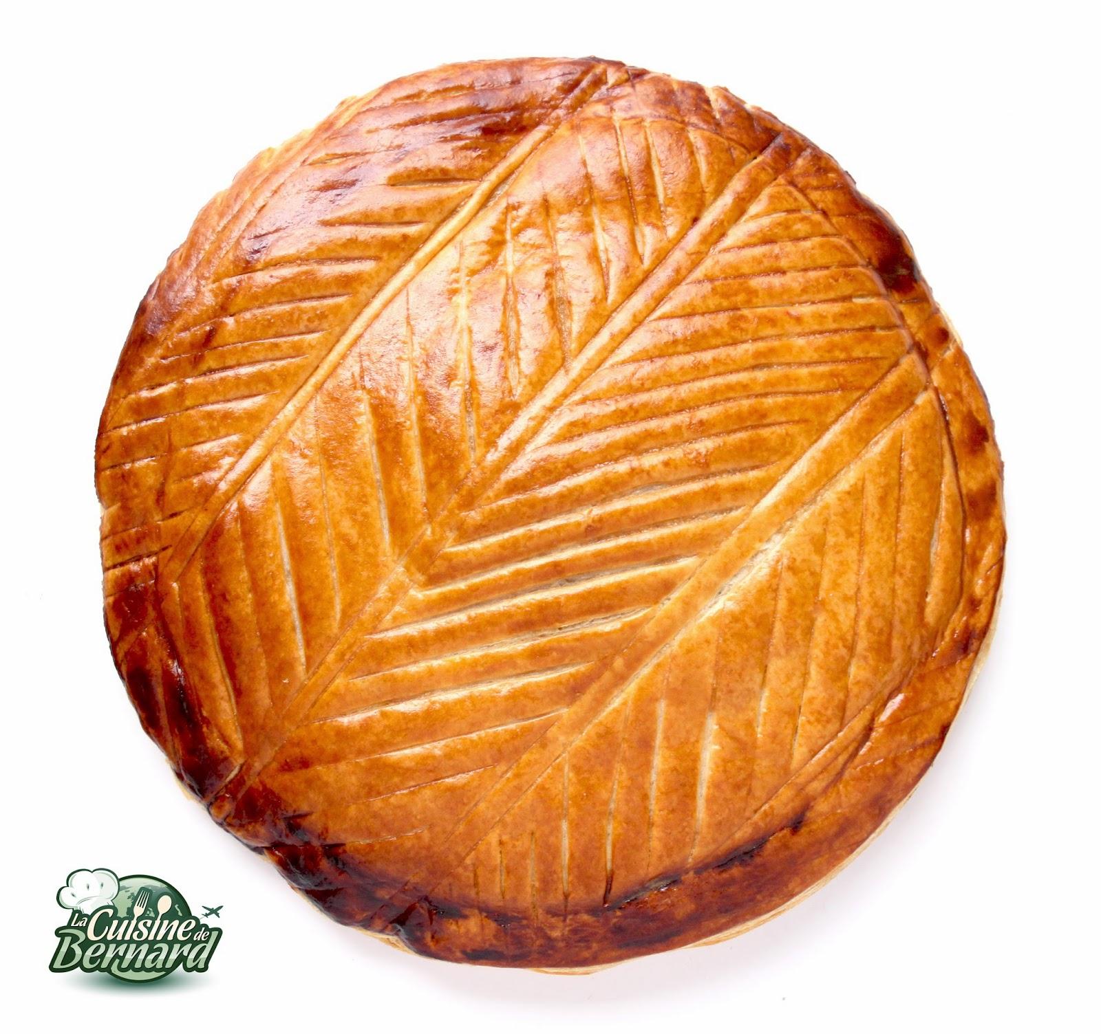 La cuisine de bernard galette des rois pistache kirsch - Galette des rois decoration ...