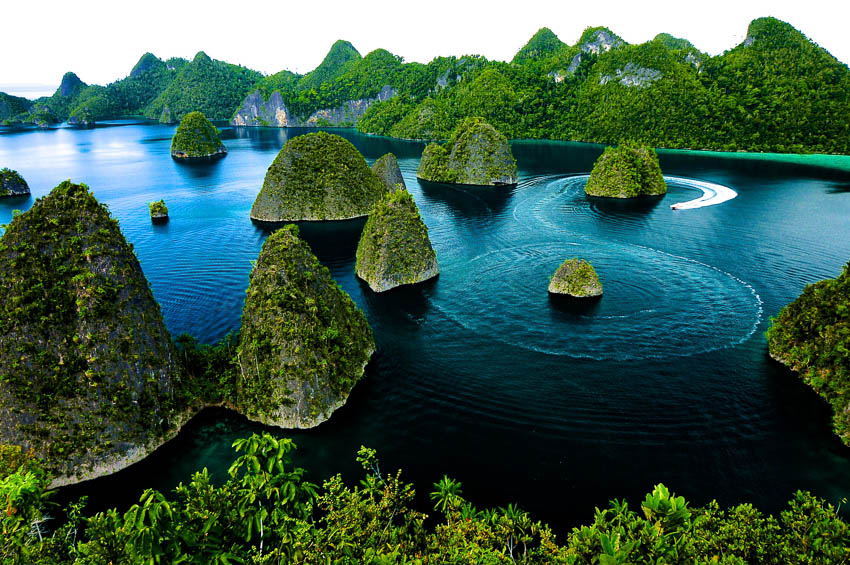 10 Best Places For A Newly Married Honeymoon In Indonesia