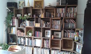 frischgeschluepft im westen nichts neues oder schrankwand. Black Bedroom Furniture Sets. Home Design Ideas