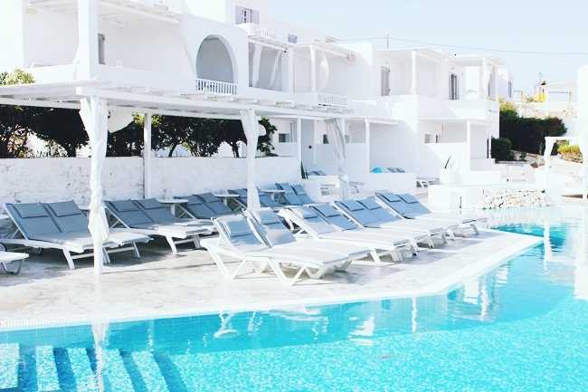 Minois village hotel pool area