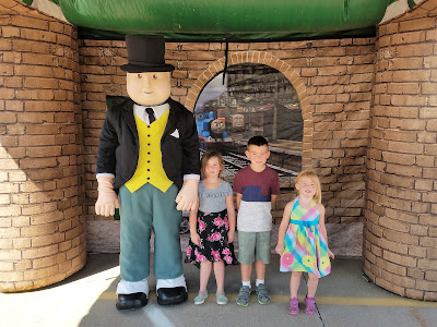 6 Tips for Day Out with Thomas at the Boone & Scenic Valley Railroad - Photo opportunity with Sir Topham Hatt