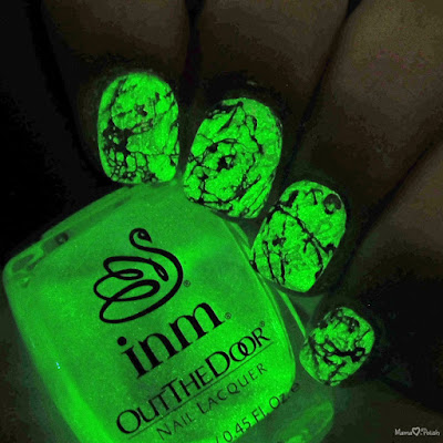glow-in-the-dark-stone-marble-nail-art-inm-glow-shot