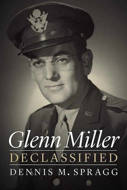 ... il maggiore Miller scomparve il 15 dicembre 1944 nella Manica. Stava  volando dall Inghilterra a Parigi f6cbf92ed754