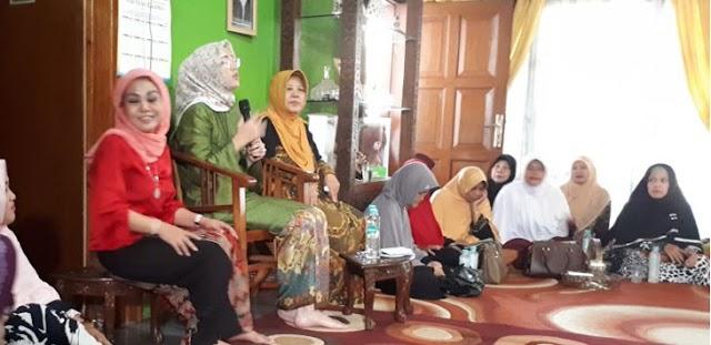 Sering Menghadiri Pengajian di Rumah Warga, Ambu Anne Semakin Dekat Dengan Masyarakat