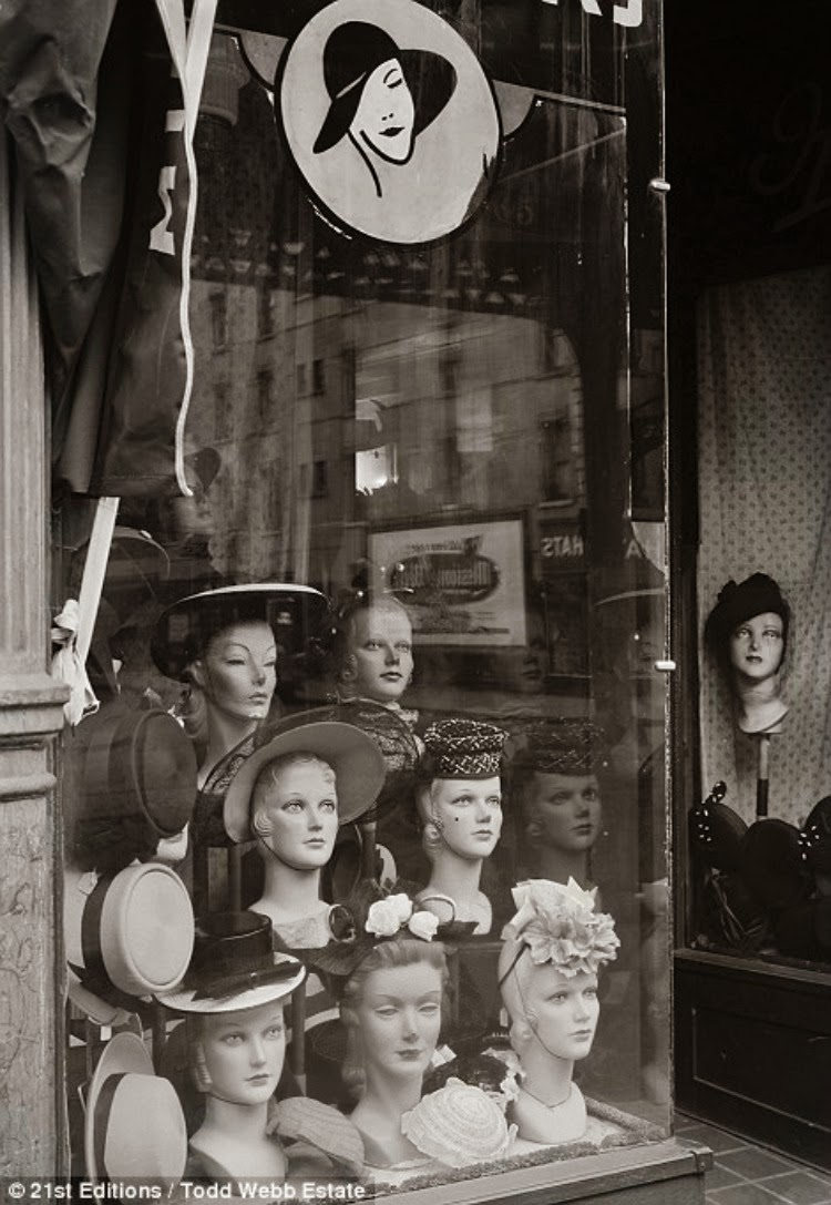 A Vintage Nerd Vintage Photography Vintage Blog 1940s New York Vintage New York Black and White Photography Todd Webb
