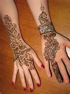 """Cara Menghilangkan Tato Henna : menghilangkan, henna, Waspada!!!, """"Henna"""", Mengandung, Kimia, Berbahaya, HIMAKI"""