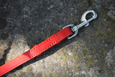 Sturdy stainless steel snap hook for custom made dog leashes