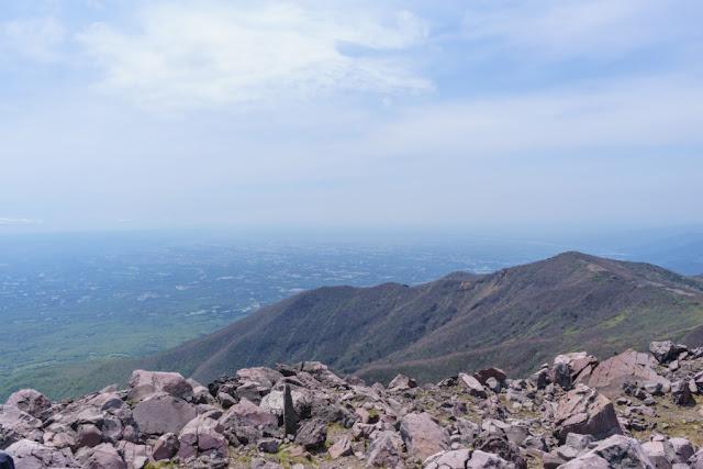 那須岳(茶臼岳)頂上からの景色