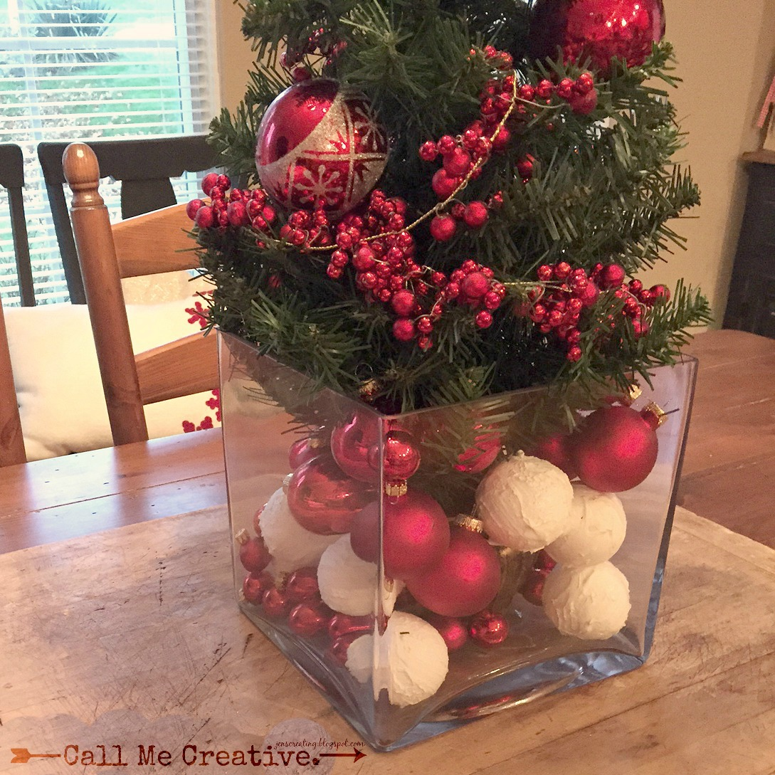 Decorating A Large Glass Vase For Christmas